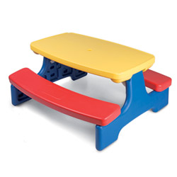 Set tavolo con 2 panchine per bambini